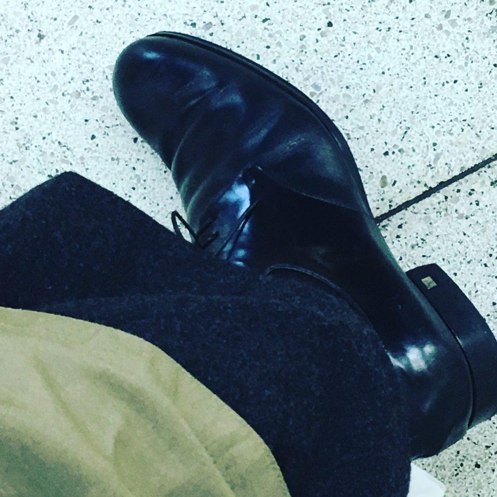 LOUIS VUITTONの革靴。
